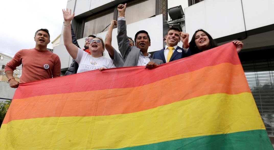 Matrimonio Igualitario Biblia : Ecuador evangélicos protestan contra matrimonio gay dc noticias
