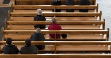 iglesia-vacia-sin-miembros
