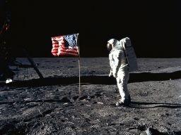 neil_amstrong_el-hombre-en-la-luna