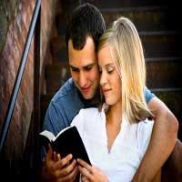 casados-leyendo-biblia